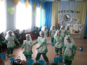 Встреча весны в детском саду «Каргаботкасы» (Грачиная каша»). Фотограф Ильнур Мусякаев