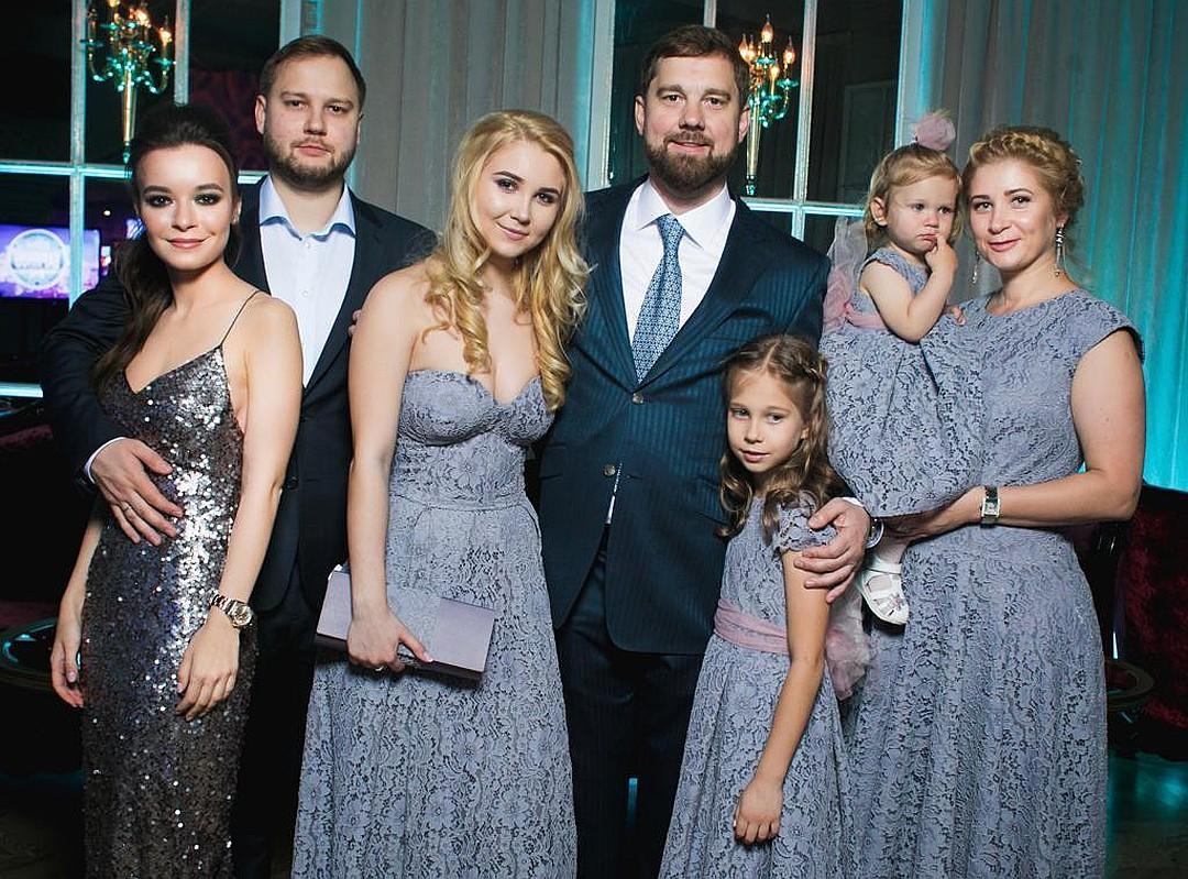 У Игоря Вячеславовича и его супруги Татьяны четверо детей