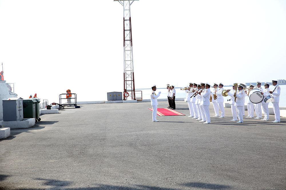 Военные корабли Каспийской флотилии покинули Бакинский порт