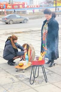 Кормление бубна. Фотограф Альфир Фахразиев