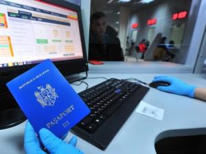 Мигрантам помогут правильно заполнить документы на оплату патента