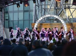 всенародное веселье и праздничные гулянья по случаю  Новруза