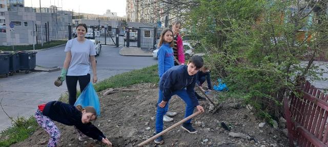 Ольгу Тимофееву попросили расширить формат акции «Роща ста слов» и провести ее в мае - фото 26