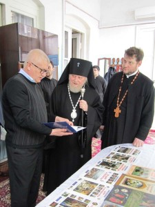 Россия передала воскресной школе в Азербайджане комплект детской учебной  2
